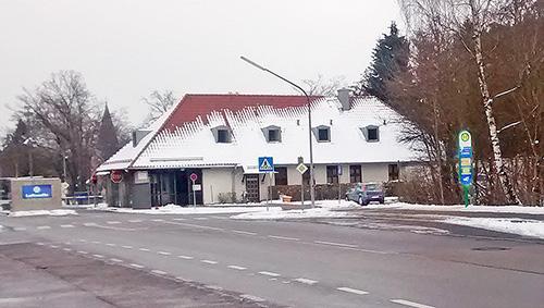 Neue Bushaltestelle am Eingang Fliegerhorst