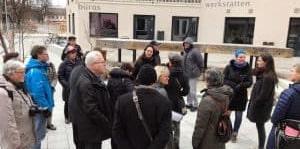 Mitglieder des Brucker Stadtrats beim Besuch im Domagkpark